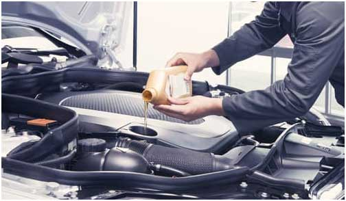 Garage Mechanics for Car Oil Change